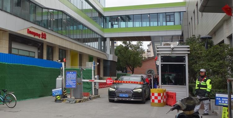 江浦路-医院主要出口